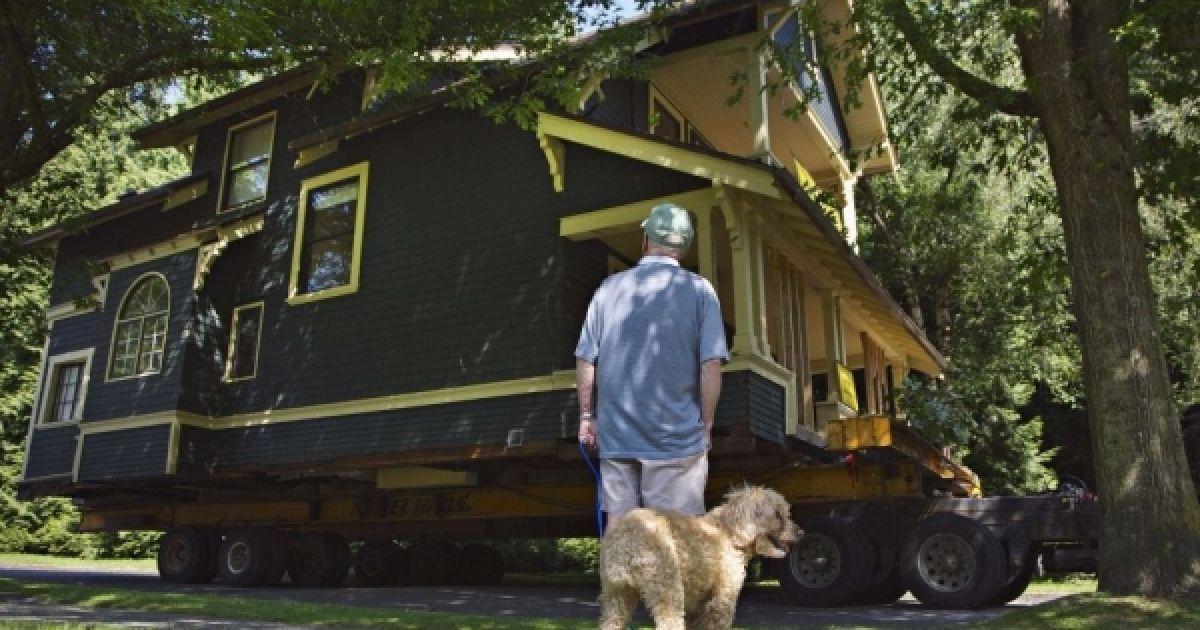 Каркасные дома на свайном фундаменте можно перевозить с места на место